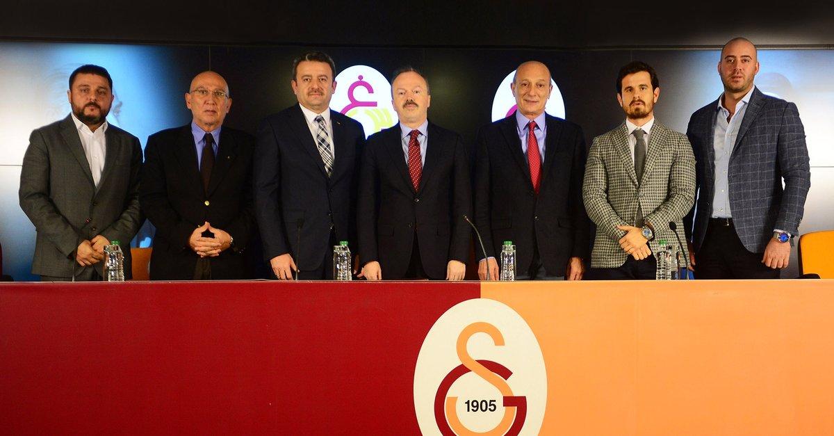 Galatasaray'A Yıldız Transfer Geliyor !