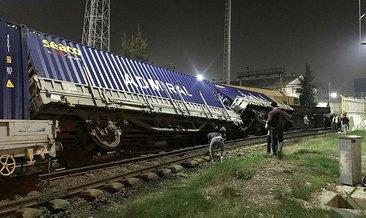 İzmir'de, yük treni devrildi