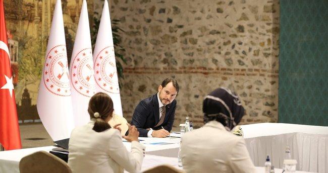 Hazine ve Maliye Bakanı Berat Albayrak: Kadınların iş hayatına katılımı ve yaşadığı sorunları ele aldık