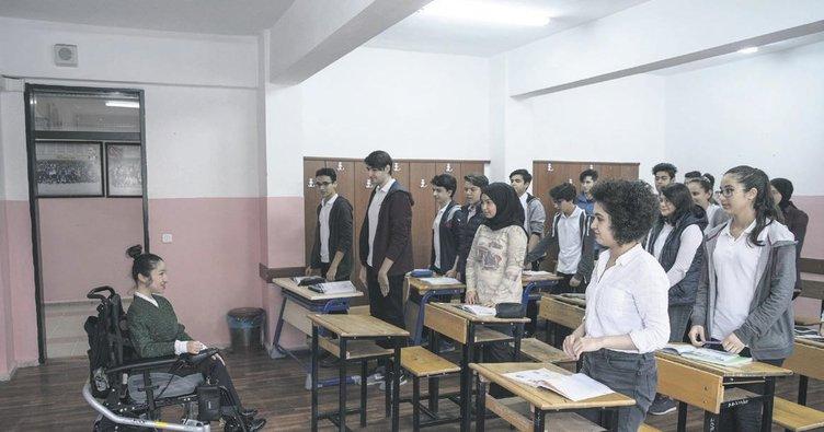 Öğretmenin azmi örnek oldu