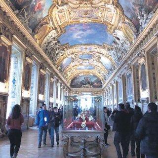 Louvre Müzesi Gezilir mi, bezilir mi?