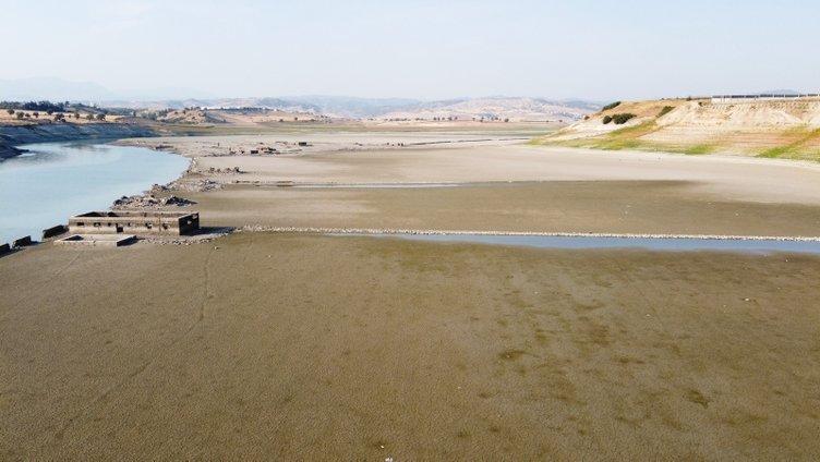 SON DAKİKA HABERİ: Baraj suları çekilince ortaya çıktı! Görünce duygulandılar...