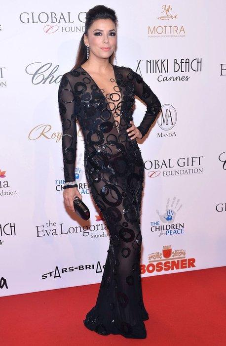 Eva Longoria yaş aldıkça gençleşiyor