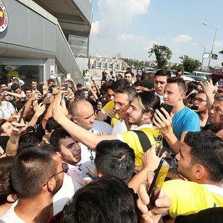 Fenerbahçe, Galatasaray ile Beşiktaş'a fark attı