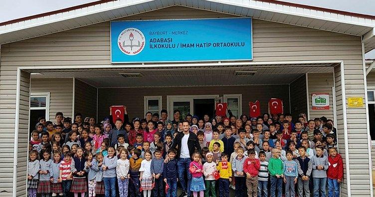 Hakan Çalhanoğlu köy okulunu ziyaret etti