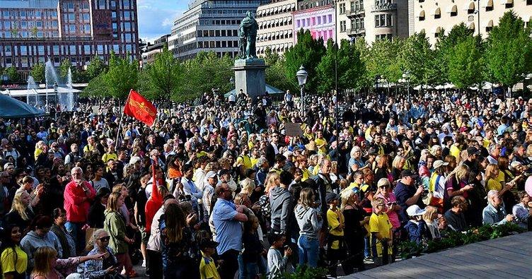 İsveçliler Jimmy Durmaz'a destek için sokağa döküldü