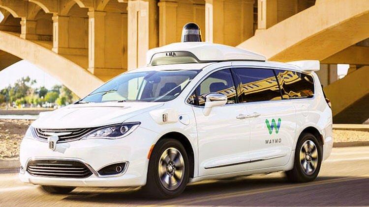 Sürücüsüz taksiler yollara çıktı: Araçların havası değişecek!