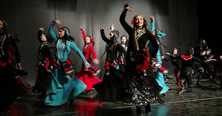 Kars'ta Kafkas dansları rüzgarı