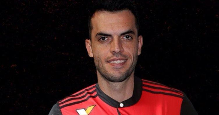 Rhodolfo resmen Flamengo'da