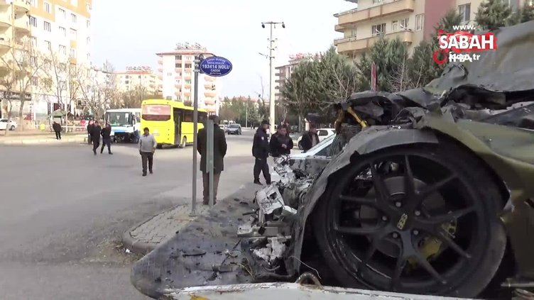 Lüks otomobil halk otobüsü ile çarpıştı: 1 ölü 7 yaralı