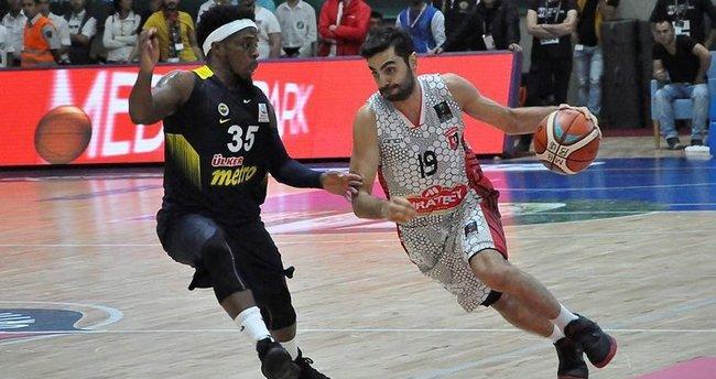 Son şampiyon Fenerbahçe yenilgi ile başladı