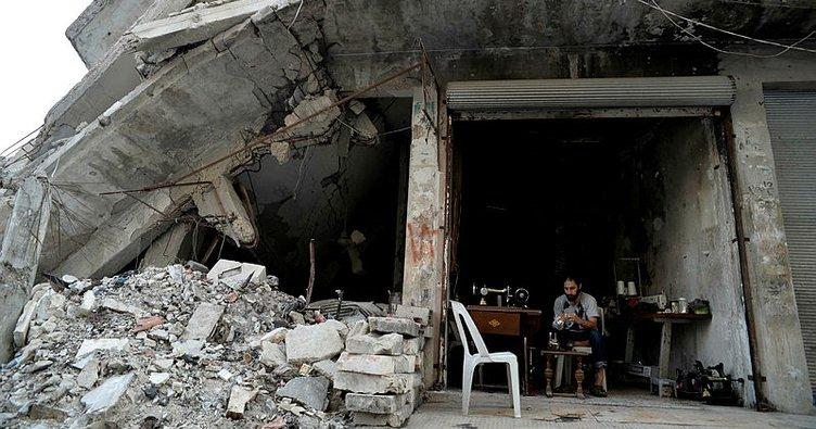 Suriye'nin İdlib ve Hama illerine hava saldırıları