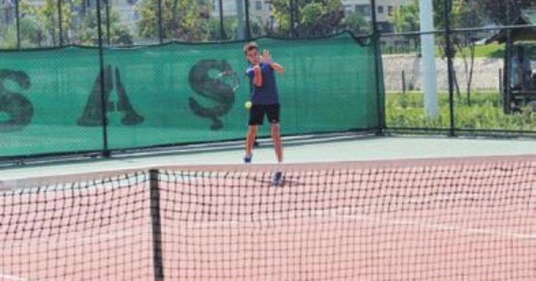 Tenisin kalbi Bursa'da attı
