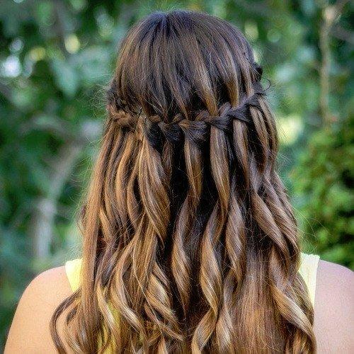 Modası geçmeyen saç stili: Örgü
