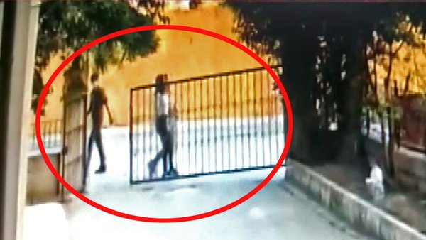 Son dakika haberi... Kocaeli'deki sapık dehşeti kamerada! Takip ettiği 15 yaşındaki kız çocuğuna | Video