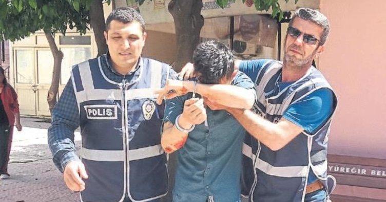 'Savcıyım' dedi arkadaşlarını gözaltına aldırttı