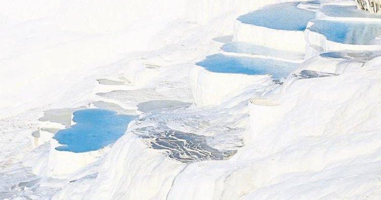 Pamukkale'ye 8 ayda 1 milyon 732 bin turist