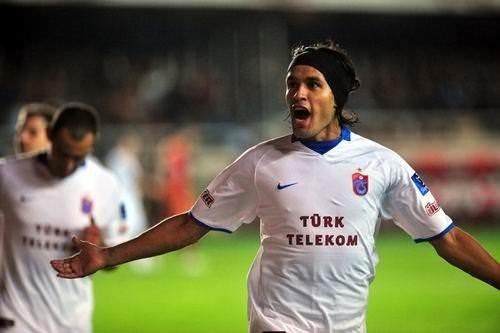 Sami Yen'de gol düellosu