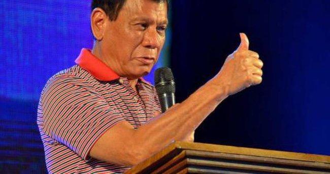 Duterte'nin ABD'den silah alımına ilişkin açıklaması