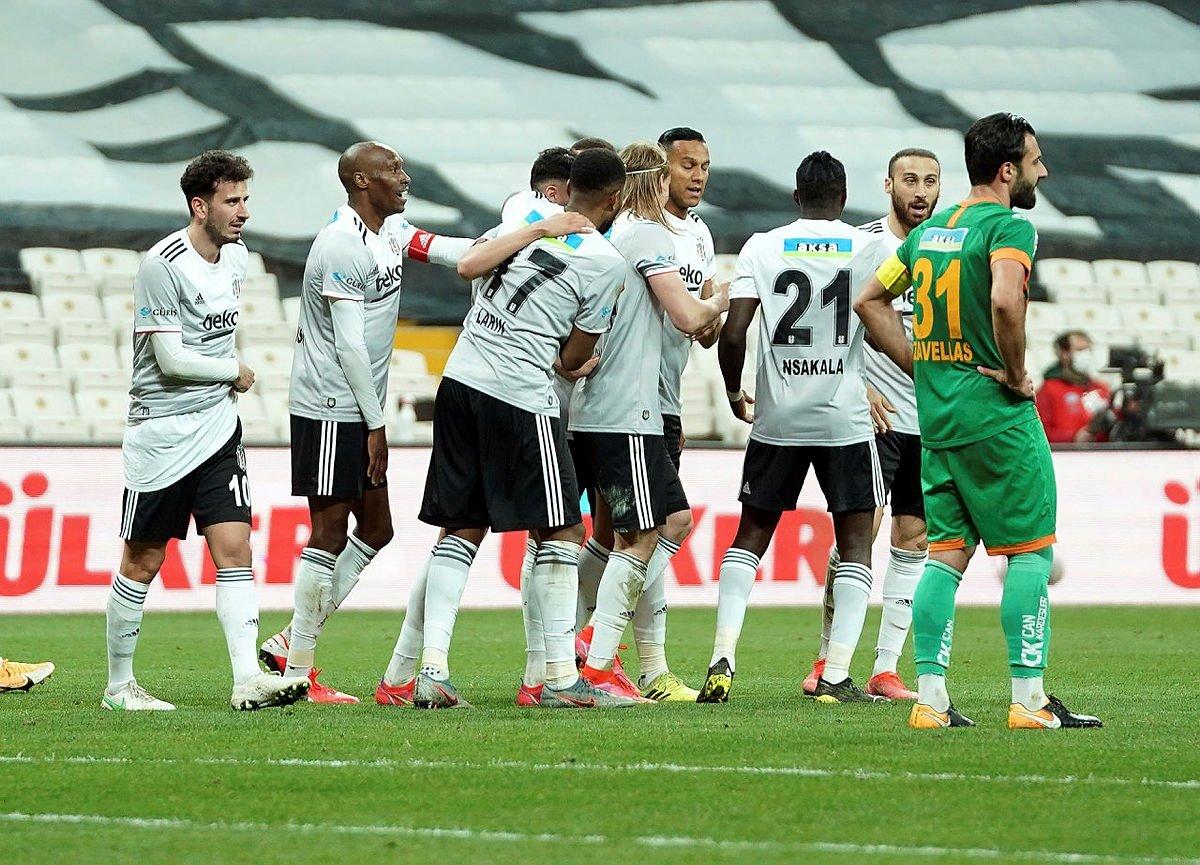 Son dakika haberi: Ahmet Çakar'dan olay Marafona yorumu! 'Elini çekiyor…' Beşiktaş haberleri