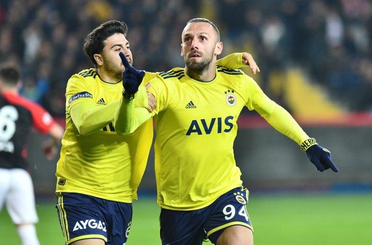 Fenerbahçe'ye süper golcü! Muriqi'nin yerine...