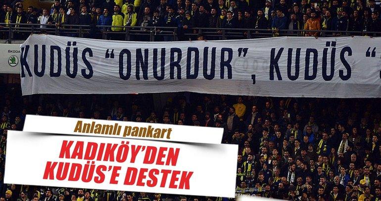 Fenerbahçeli taraftarlardan  pankartla Filistine destek