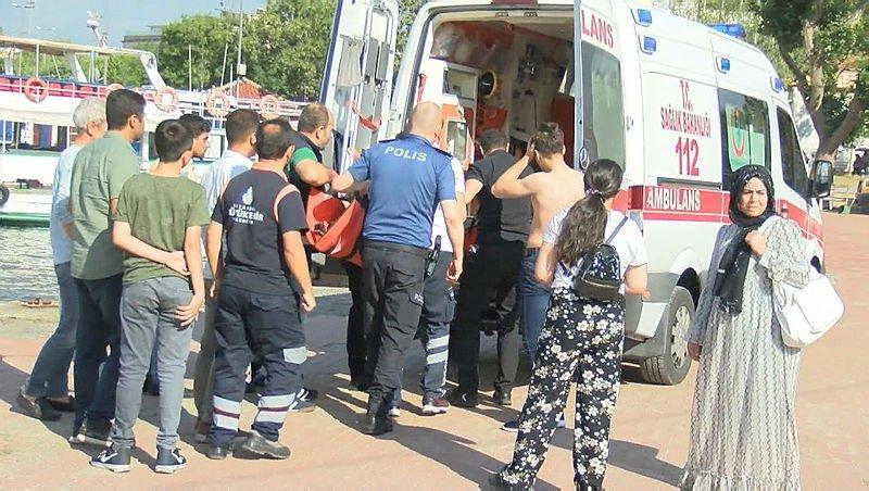 istanbul'da Haliç Metro Köprüsü'nden denize atlayan 21 yaşındaki genç kız, peşinden atlayan bir genç tarafından kurtarıldı. 2 genç sağlık ekiplerince hastaneye kaldırıldı. ile ilgili görsel sonucu