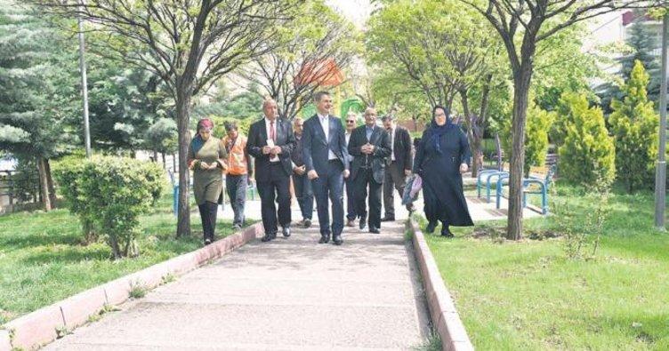 Başkan Köse parkları inceledi