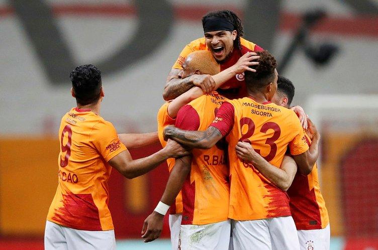 Son dakika: Şampiyonluk yarışında dev derbi! Galatasaray - Beşiktaş maçı başladı CANLI