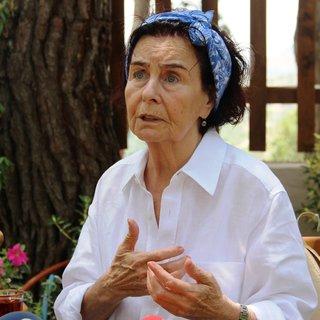 Yeşilçam'ın usta oyuncusu Fatma Girik hastaneye yatırıldı!