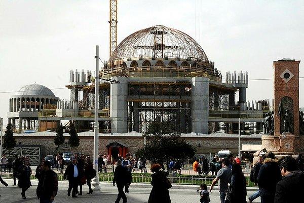Taksim Camii'nde sona gelindi!
