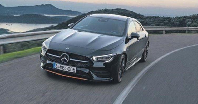 Mercedes'in müşteri yaşı 34'e indi