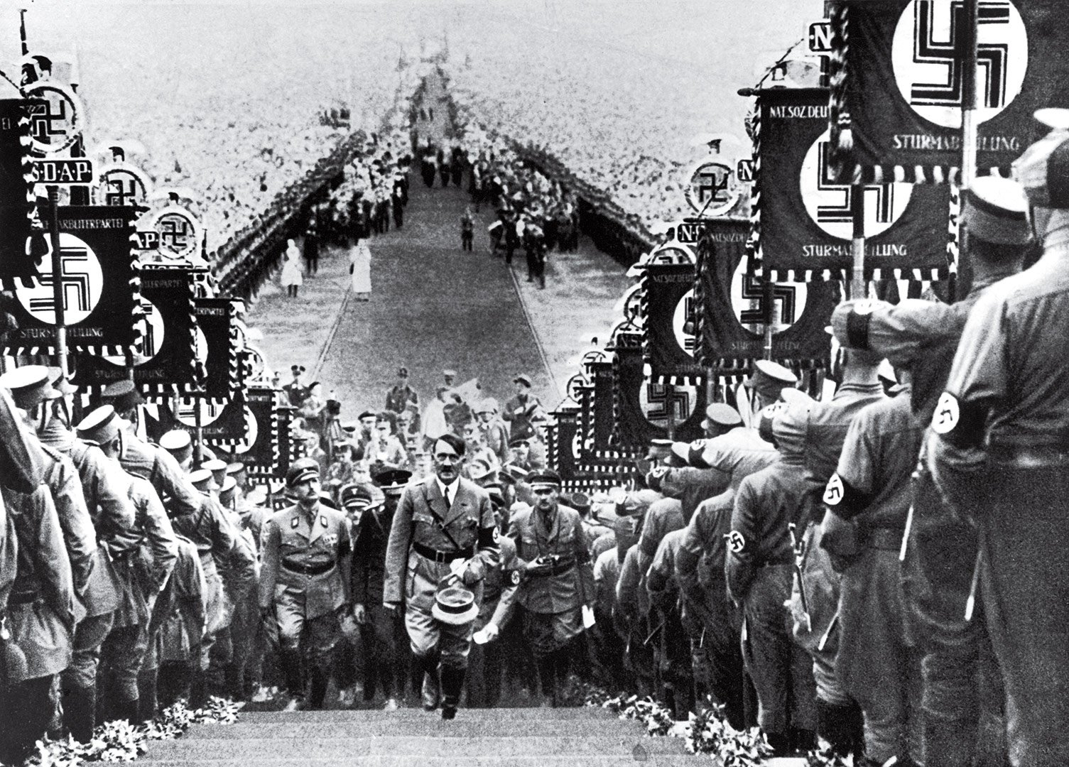 social revolution and unity volksgemeinschaft in nazi germany between 1933 and 1939 essay This essay argues that art was more effective in propagating nazi ideology in germany because it showed an explicit link between art and nazi ideology, therefore serving its main purpose: which was to implant fixed ideas and mould public opinions.