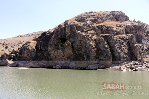 Baraj suları çekilince... Tarihi köy ortaya çıktı!