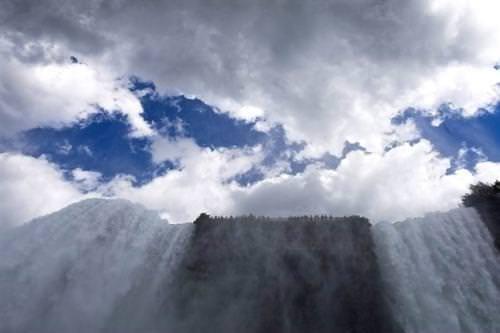 Niagara Şelaleleri'nin ziyaretçileri Türkiye'yi yakaladı