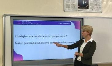 EBA TV ile ilkokul, ortaokul ve lise uzaktan eğitim ders tekrarı videoları: TRT EBA TV ilkokul, ortaokul ve lise ders tekrarları tek parça izle