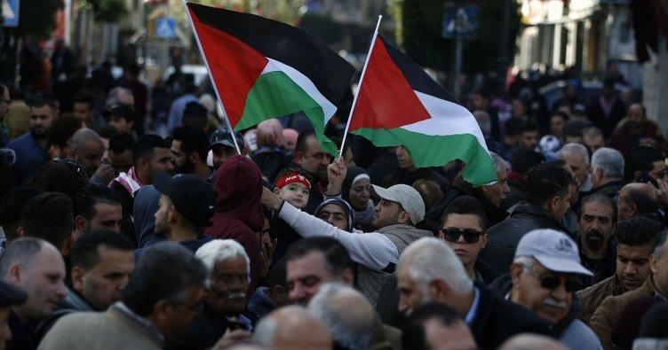 """Ramallah'ta """"Yüzyılın Anlaşması"""" projesi protesto edildi"""