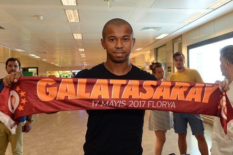 Galatasaray'ın yeni transferi geldi! Tezahürat şoku!