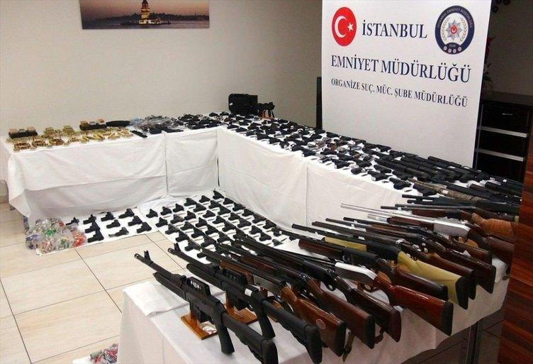 İstanbul'da çok sayıda silah ele geçirildi