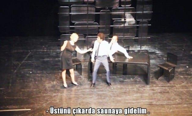 Devlet tiyatrosunda şok eden oyun