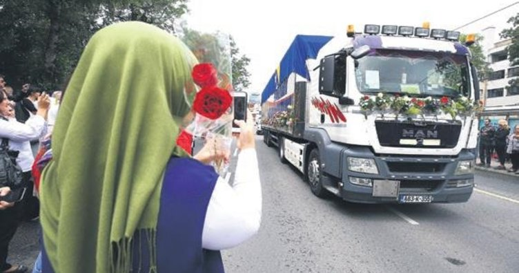 Srebrenitsa kurbanları için gözyaşları sel oldu