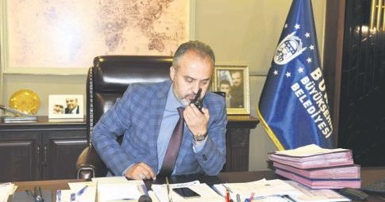 Başkan Aktaş'tan 'Anonslu' kutlama