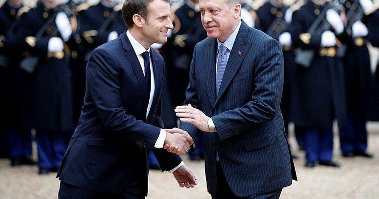 Macron'dan Erdoğan'a tebrik!
