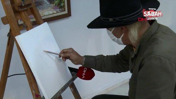 Adana'da hiç tanımadığı kişileri telefonda konuşup çizen ressam yeteneğiyle şaşırtıyor  | Video