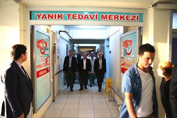 Bakanlar yaralıları Gaziantep'te ziyaret etti