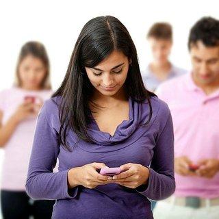 Dikkat! Bilinçsizce kullanılan cep telefonları 'fıtık' etmeye başladı...