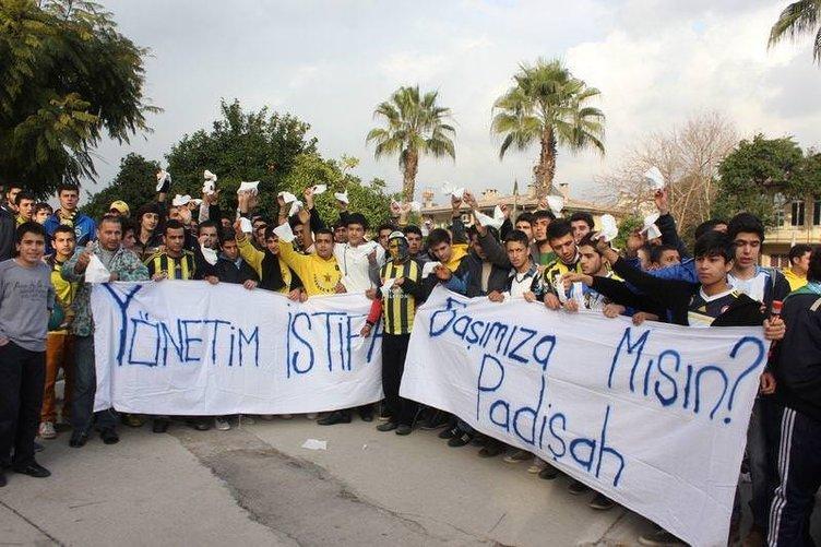 Fenerbahçe'ye Adana'da olaylı karşılama