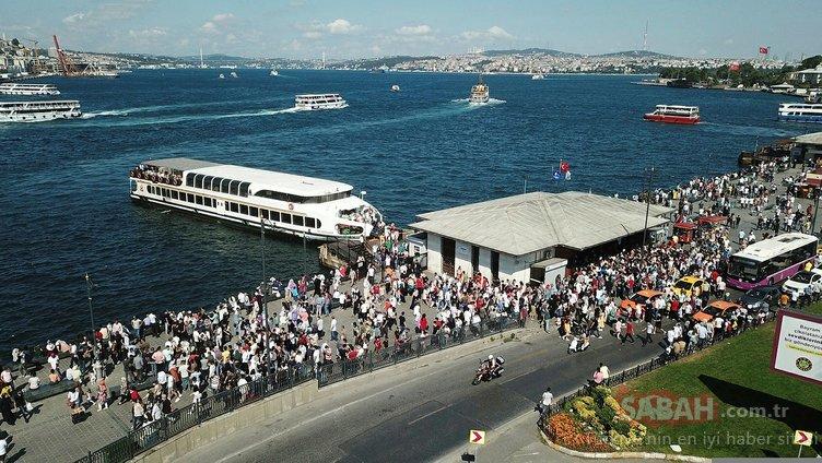 İstanbul'da korkutan manzara! Sosyal mesafe hiçe sayıldı...