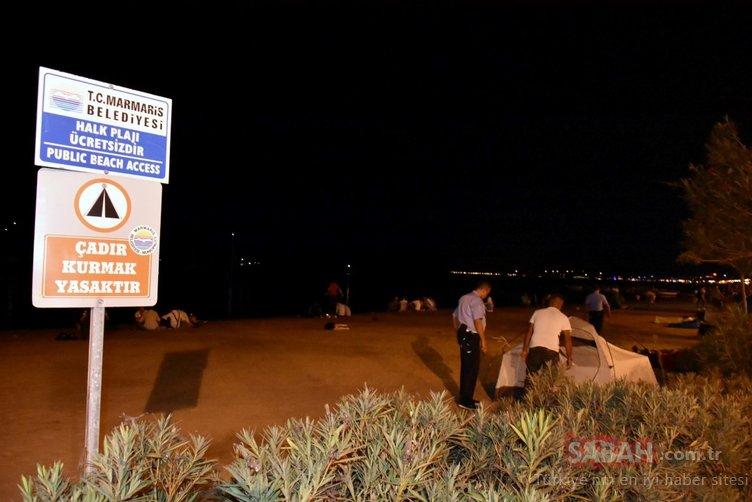Marmaris'te boş oda bulamayanlar sahillerde çadır kurdu
