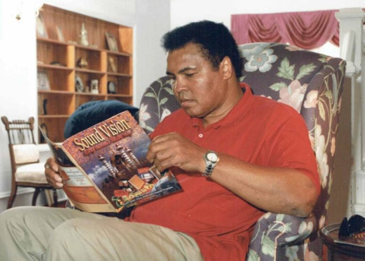 Muhammed Ali son yolculuğuna uğurlanıyor.